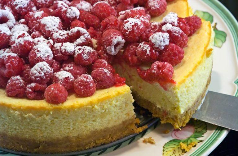 Lemon Raspberry Cheesecake